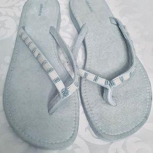 💜3/$30 Baby Blue Suede Flip flops 10